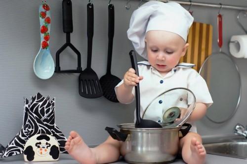 Диета для кормящих мам: варим супы