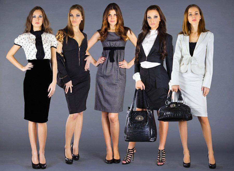 Могут ли женские костюмы для офиса быть привлекательными?