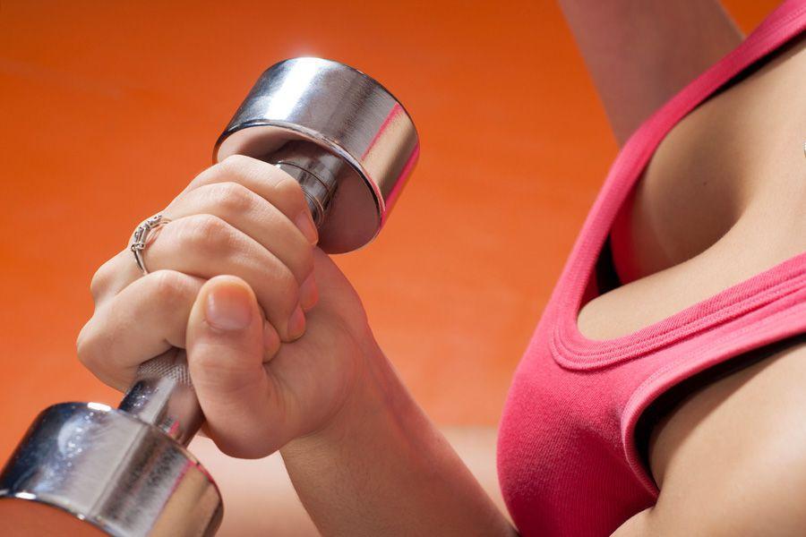 Гимнастика для груди — 4 упражнения для похудения и увеличения мышц, которые придадут бюсту подтянутую, упругую форму и уменьшат дряблость