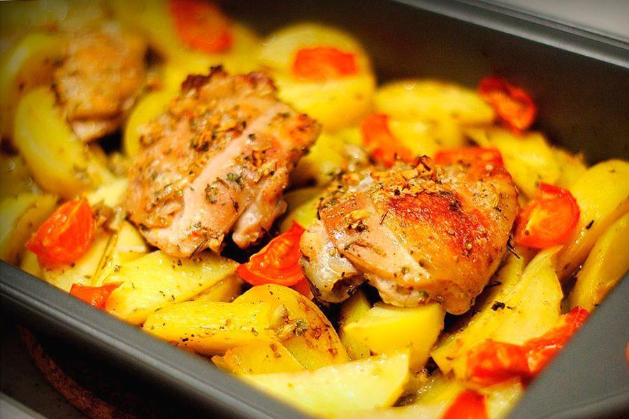 Готовим куриные бедрышки скартошкой вдуховке— быстро ивкусно