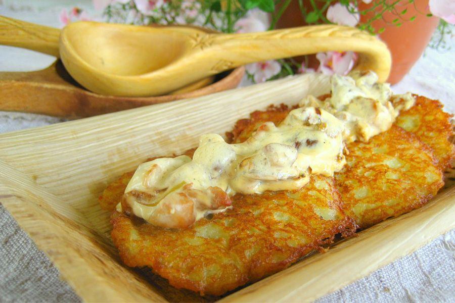 драники с колбасой из картошки