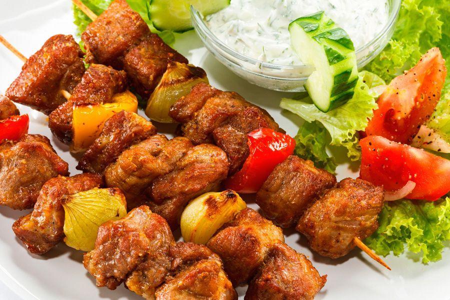 Шашлык дома в духовке: 6 тонкостей приготовления и 4 аппетитных рецепта!