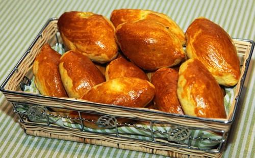 Пирожки домашние печеные