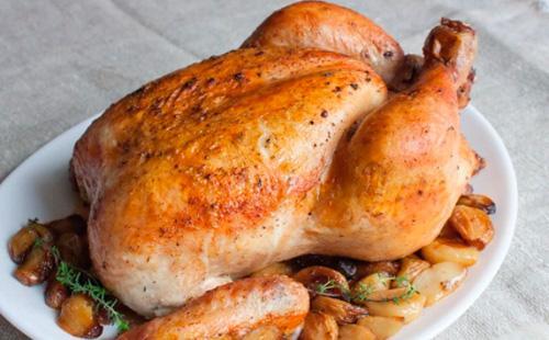 Как зажарить курицу в духовке с хрустящей корочкой целиком 7