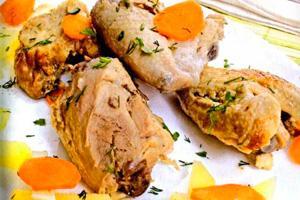 Курица с картошкой и морковью с зеленью