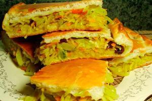 Заливной капустный пирог с болгарским перцем