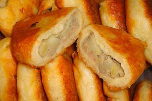 Пирожки жареные с печенью и картошкой
