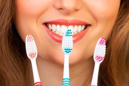 Использование зубной щетки