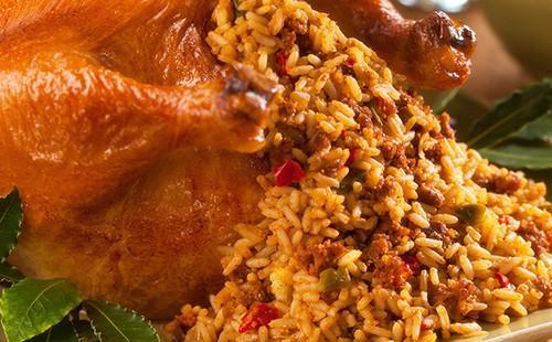 Золотой рог изобилия извергает из себя ароматные рис с овощами