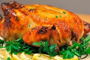 Запеченная курица с лимоном и петрушкой