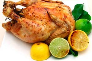 Целая запеченная курица с лимоном