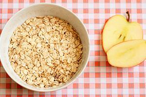 Овсянка и яблоки сохранят вашу молодость