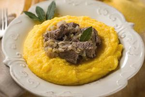 С мясом можно съесть и кашу из топора