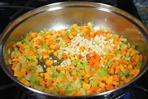 Разноцветные овощи готовы к обжарке