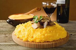 Жёлтую кукурузу хорошо запивать терпким красным вином