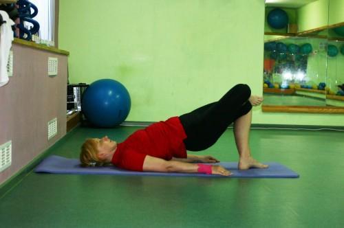 Упражнение Полумост, позиция 2