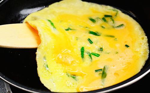 Как сделать омлет с молоком и яйцом в духовке9