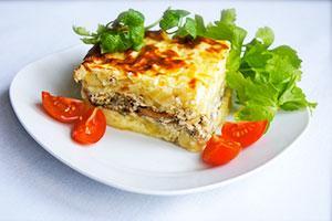 Запеканка картофельная с грибами и помидорами