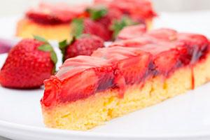 Торт-желе с клубникой