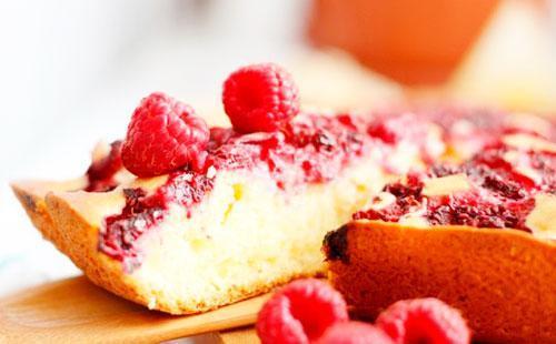 Пирог со свежей малиной рецепт в мультиварке 133