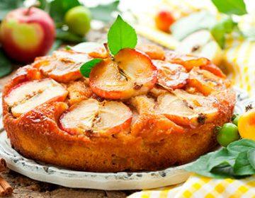 приготовить шарлотку из яблок в духовке видео рецепт
