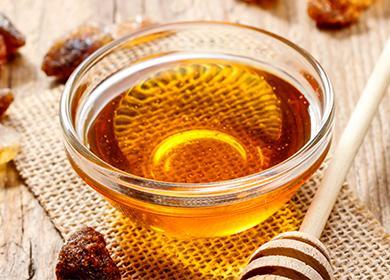 Жидкий мед в пиале