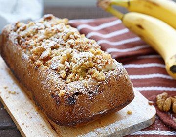 Шарлотка с бананами: разные способы приготовления