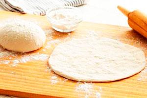 Тесто на пельмени на воде без яиц рецепт пошагово с яйцом