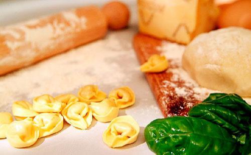 Тесто для пельменей 諾 рецепт пельменного теста, как сделать тесто с яйцом на домашние пельмени