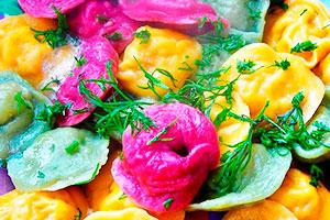 Цветные пельмени с редькой