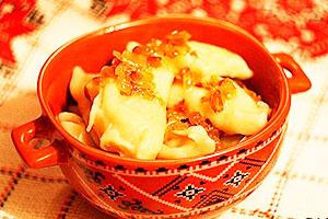 Вареники с картошкой и шкварками