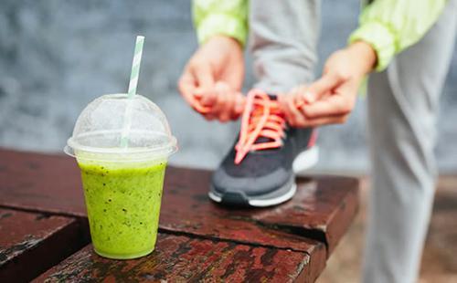 Правильное питание и упражнения сохранят здоровье