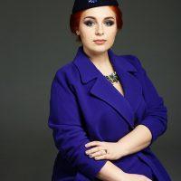 Элегантный синий костюм