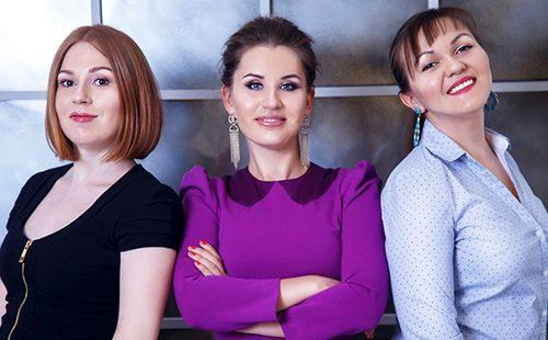 Три подруги вместе занимаются бизнесом