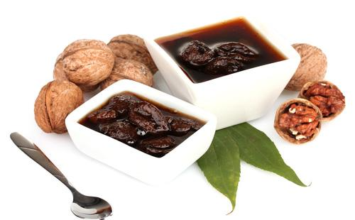 [Изображение: varene-iz-greckih-orehov-recept-v-belyh-...honock.jpg]