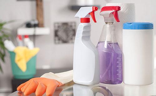 Чистящие средства и перчатки