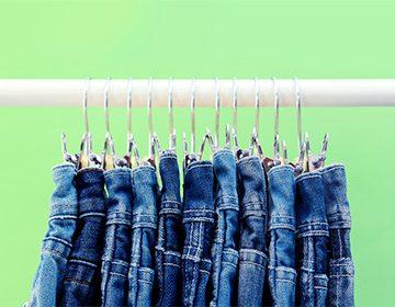 Как отстирать кровь с джинсов в домашних условиях: свежую и засохшую, в машинке и без стирки