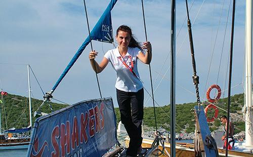 Заядлая морячка на судне