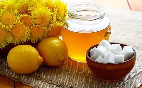 Из лимонов, кубиков сахара и жёлтых цветов получается полезное варенье
