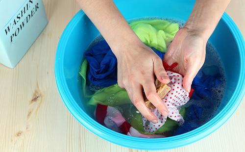 Ручная стирка хозяйственным мылом