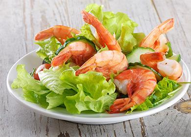 7 рецептов салатов с морепродуктами: вкусные фантазии на курортную тему