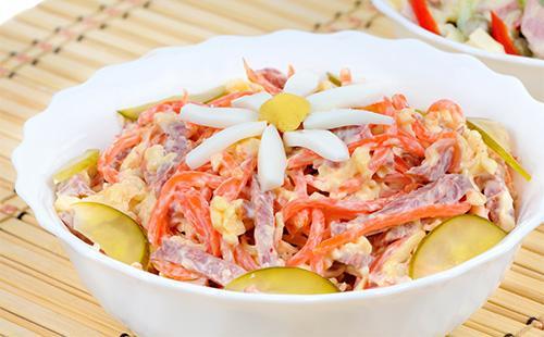 Салат обжорка с морковью