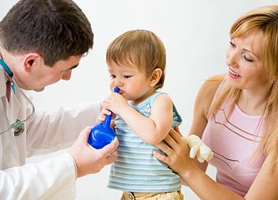 Педиатр даёт консультацию о промывании носа