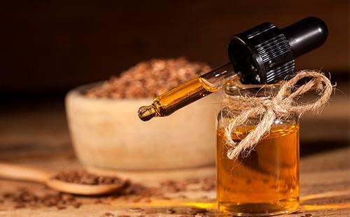 Бутылочка с льняным маслом