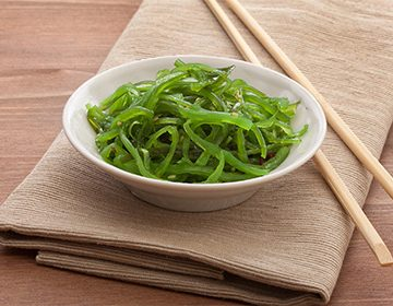 салат из чуки с угрем рецепт