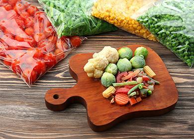 Замороженные овощи на досточке