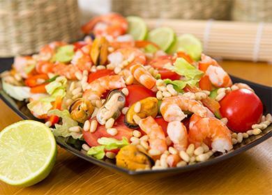 Королевский салат из морепродуктов