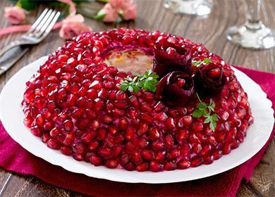 Салат «Красная шапочка», и как на Новый Год превратить его в «Колпак деда Мороза»
