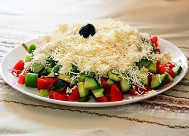 Рецепт «Шопского» (болгарского) салата: идеальное решение для завтрака, обеда иужина