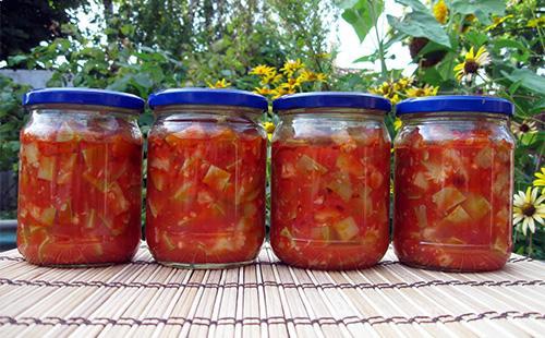 Салат с кабачками в томате